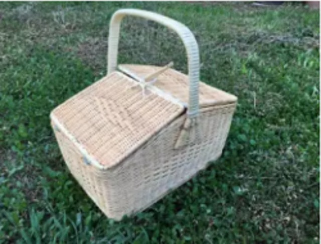 5. No Brand – Picnic Wicker Basket 1