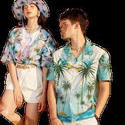 10 อันดับ ชุดคู่รักไปทะเล แบบไหนดี ฉบับล่าสุดปี 2021 ดีไซน์สวย มีทั้งเสื้อยืดคู่ เสื้อมัดย้อมคู่